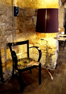 Szék / chair: http://rekredenc.hu/feketearany-art-deco-karoszsekblackgold-art-deco-armchair/